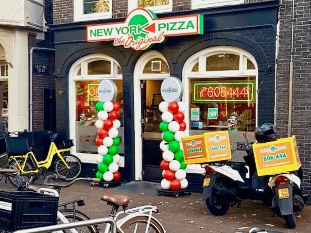 Duurzame ballonpilaren New York Pizza in Purmerend