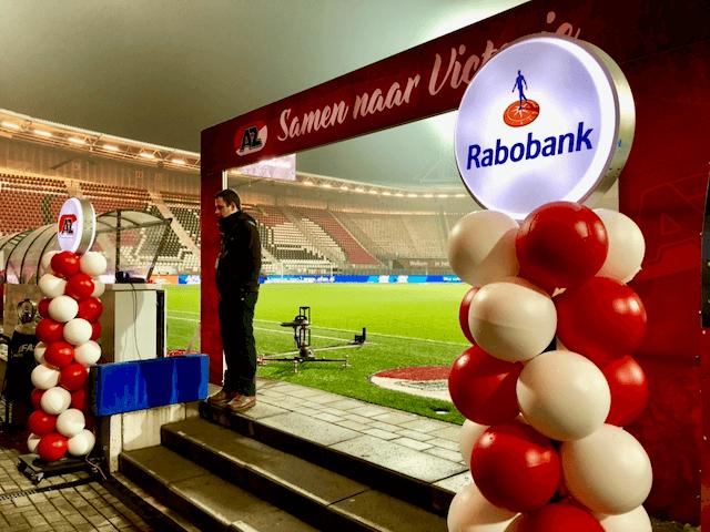 Duurzame ballonpilaren van Rabobank bij AZ Alkmaar